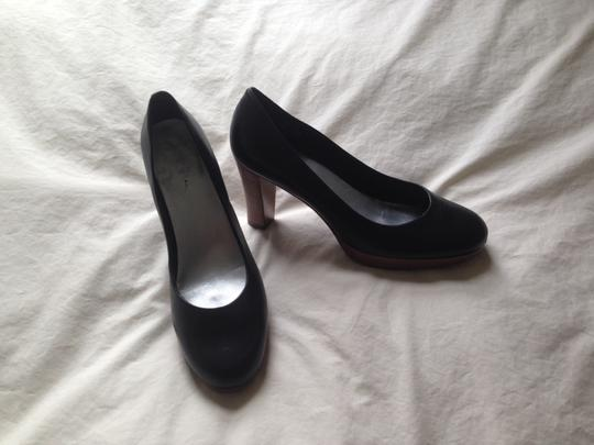 L.L.Bean Black with wood heal and platform Pumps