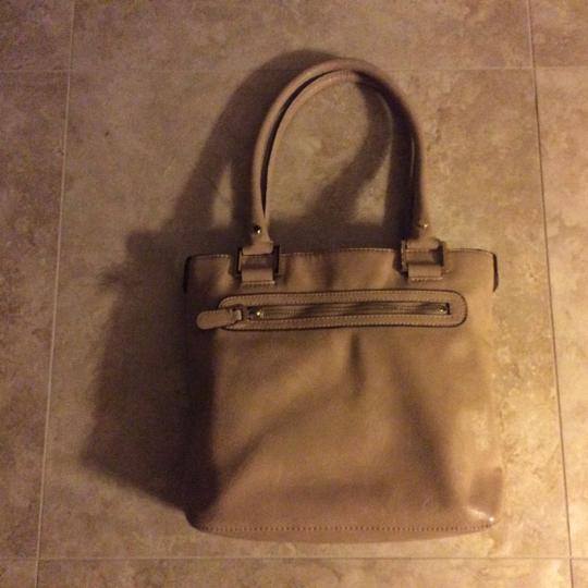 Anne Klein Tote in Camel