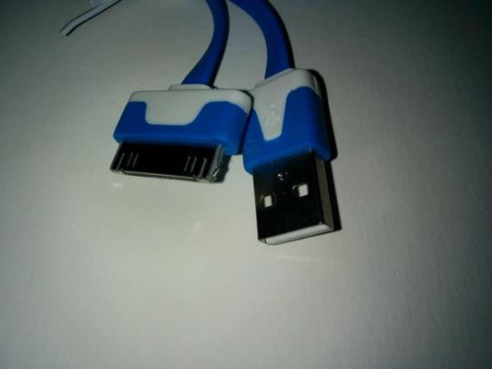 GET WIRED IPHONE4 USB CHARGER CABLE NEW!