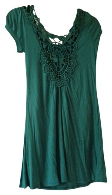 Preload https://item2.tradesy.com/images/forever-21-green-above-knee-short-casual-dress-size-8-m-5194051-0-0.jpg?width=400&height=650