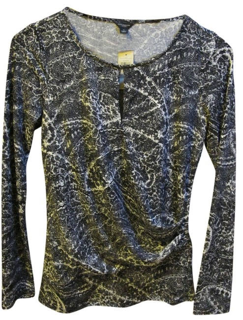 Preload https://item5.tradesy.com/images/ann-taylor-black-and-white-day-to-night-tunic-size-4-s-519574-0-0.jpg?width=400&height=650