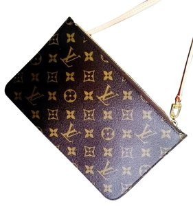 Louis Vuitton MM pouch from neverfull Clutch