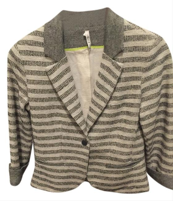 Preload https://item2.tradesy.com/images/willow-and-clay-blackgray-blazer-size-4-s-5197966-0-0.jpg?width=400&height=650