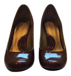 Kenneth Cole Reaction Brown patent leather Pumps