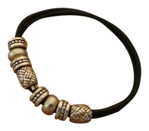 A nice bracelet, can be used for hair band