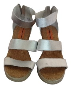 Michael Kors Sillver Size4 Silver Wedges