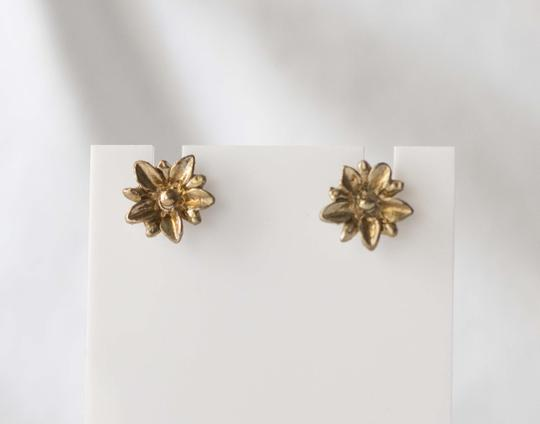 Other Simple Vintage Daisy Bronze Studded Earrings
