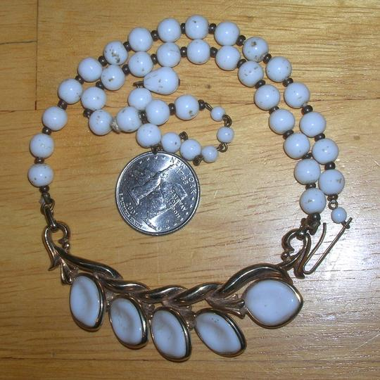Vintage W. Germany Vintage Poured Milk Glass Gripoux Leaf Necklace W Germany