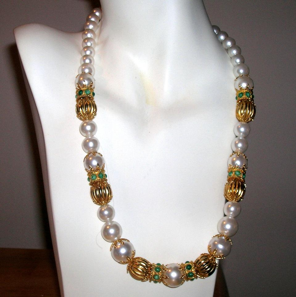 Vintage Pearl White Necklace 47 Off Vintage Jewelry