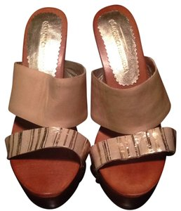 Monica Hermosa Wedge Gold Hardware Gold Tan/gold Wedges