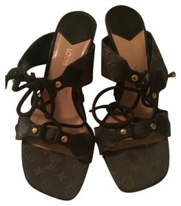 Louis Vuitton Army green Wedges