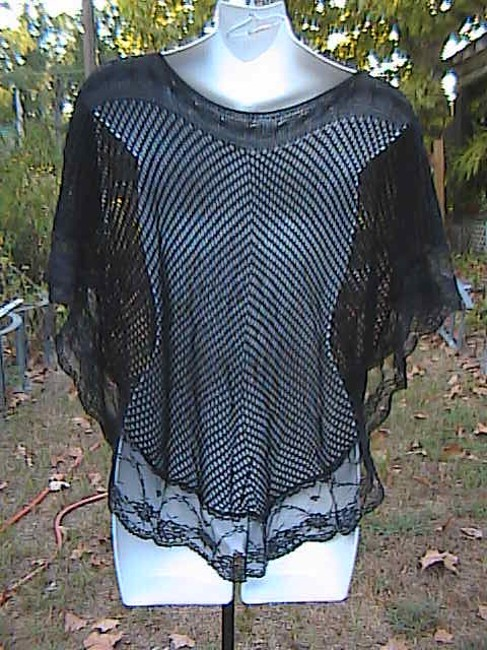 Other W/O Tag Very Crochet Sweater