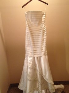 V177 Wedding Dress