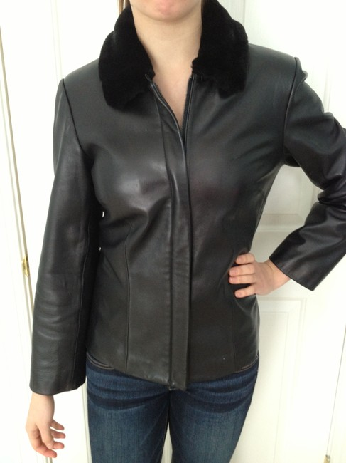 Preload https://item4.tradesy.com/images/ann-taylor-black-fur-collar-leather-jacket-size-4-s-521513-0-0.jpg?width=400&height=650