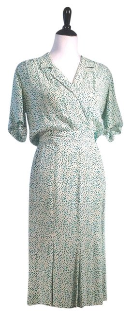Preload https://item2.tradesy.com/images/liz-claiborne-green-and-white-pattern-knee-length-workoffice-dress-size-petite-8-m-5216446-0-0.jpg?width=400&height=650