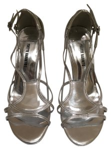 Yvette Barreto Heels Size8.5 Brazilian Leather Silver Sandals