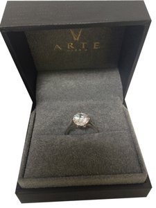 Arte Madrid Arte Madrid diamond ring