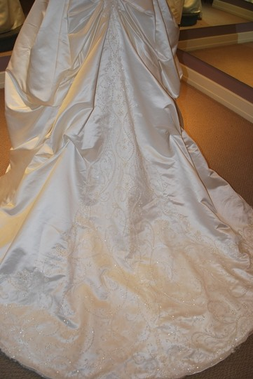 Casablanca Ivory Satin Bridal Style 1886 Formal Wedding Dress Size 8 (M)