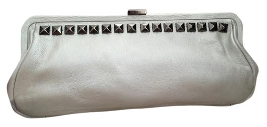 Preload https://item4.tradesy.com/images/kenneth-cole-pearl-silver-leather-clutch-5222473-0-2.jpg?width=440&height=440