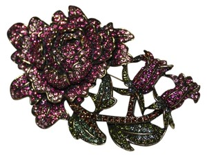Heidi Daus BEAUTIFUL CRYSTAL STUDDED HEIDI DAUS BROOCH