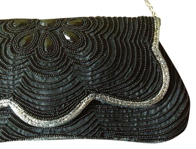 Item - 20s Retro Black/Silver Pearl Clutch
