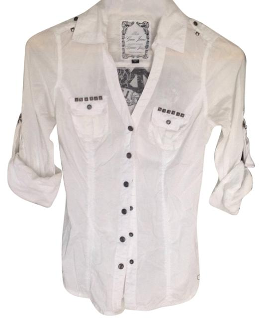 Preload https://item1.tradesy.com/images/guess-white-button-down-top-size-2-xs-5233285-0-0.jpg?width=400&height=650