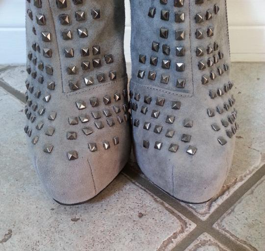 SENSO Studded Edgy Hidden Platform Party Night Out Suede Leather Gray Boots