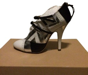 Miu Miu Pumps Tricolor Black and White Boots
