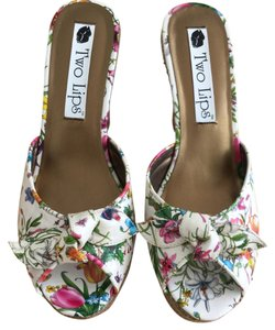Two Lips Flowers Butterfly Dragonfly Lady Bug Cricket | New Patent Leather Wedge Platforms