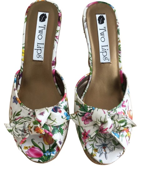 Two Lips Flowers Butterfly Dragonfly Lady Bug Cricket   New Patent Leather Wedge Platforms