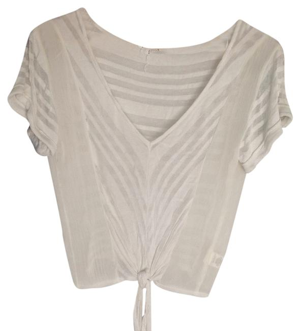 Preload https://item1.tradesy.com/images/willow-and-clay-cream-blouse-size-2-xs-5241220-0-0.jpg?width=400&height=650