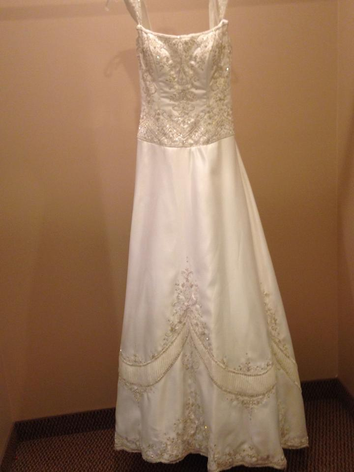 Victoria 39 s secret 8110 wedding dress on sale 94 off for Best way to sell used wedding dress