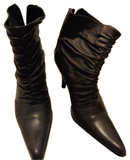 Preload https://item1.tradesy.com/images/none-brown-boots-5242510-0-0.jpg?width=440&height=440