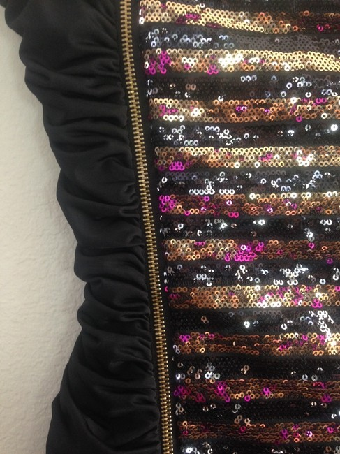 bebe Sparkle Glitter Hardware Party Mini Limited Edition Fitted Metallic Strapless Lustrous Night Out Date Night Evening Dress