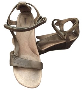 Teva Leather Rubber Outsole Olive Wedges