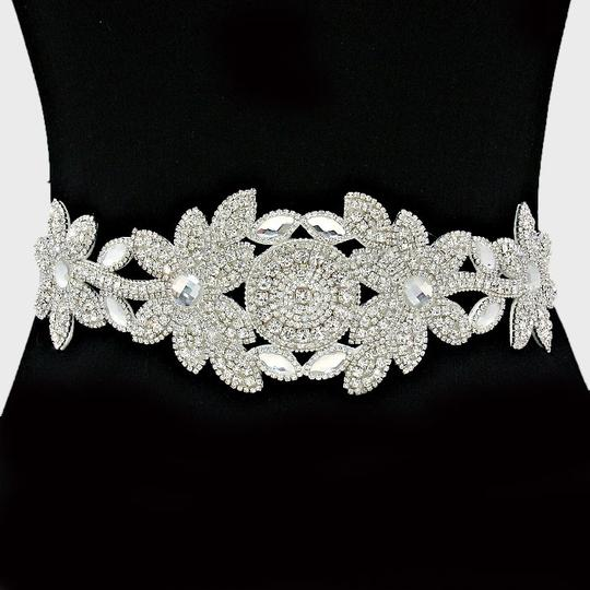 Preload https://item4.tradesy.com/images/clear-white-high-quality-versatile-marquise-crystal-beaded-waist-band-headband-choker-necklace-sash-5247808-0-0.jpg?width=440&height=440