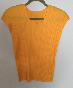 Issey Miyake 100%polyester Pleated Top Yellow