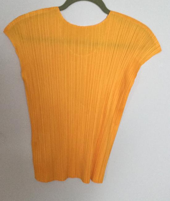 Issey Miyake 100%polyester Pleated Stretched Elegant Top Yellow