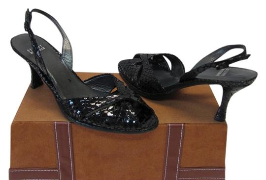 Stuart Weitzman Very Good Condition Leather Soles Size 8.50 Narrow Black Sandals