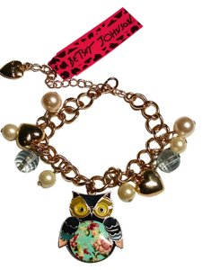 Betsey Johnson Betsey Johnson Bracelet Owl Charm Faux Pearls J1141