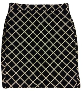 Banana Republic Pencil Geometric Grid Checkered Bold Stripe Skirt Black and White