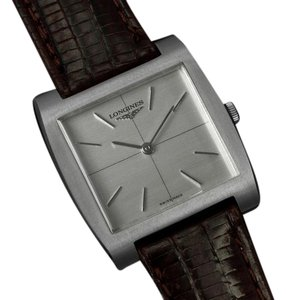 Longines 1970's Longines Vintage Mens Midsize Ultra Thin Retro Watch