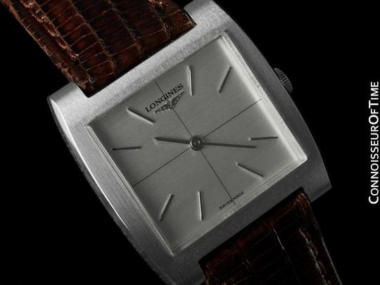 Longines 1970's Longines Vintage Mens Midsize Ultra Thin Retro Watch - Stainless Steel