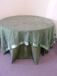 Green Ten Clover Embroidered Organza Overlays Tablecloth