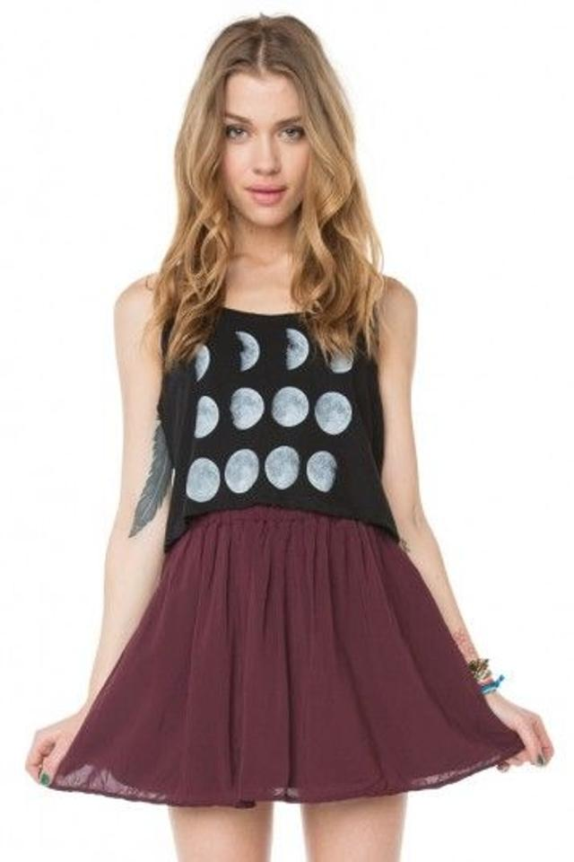 Join Sell Style Feed Editor's Picks Your Wants: www.tradesy.com/bottoms/brandy-melville-miniskirt-maroon-525681