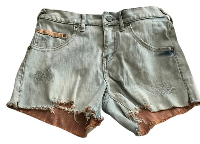 Preload https://item2.tradesy.com/images/free-people-cut-off-shorts-5257831-0-0.jpg?width=400&height=650