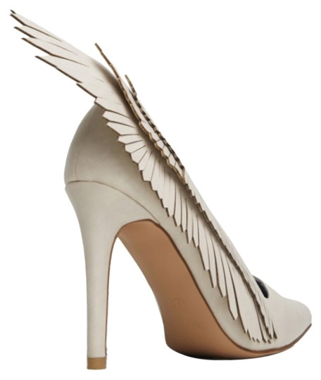 YRU Bone Pumps