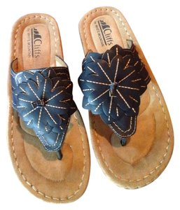 White Mountain navy blue Sandals