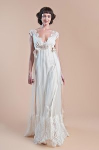Claire Pettibone Queen Anne's Lace Wedding Dress