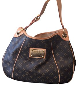Louis Vuitton Tote in Classic